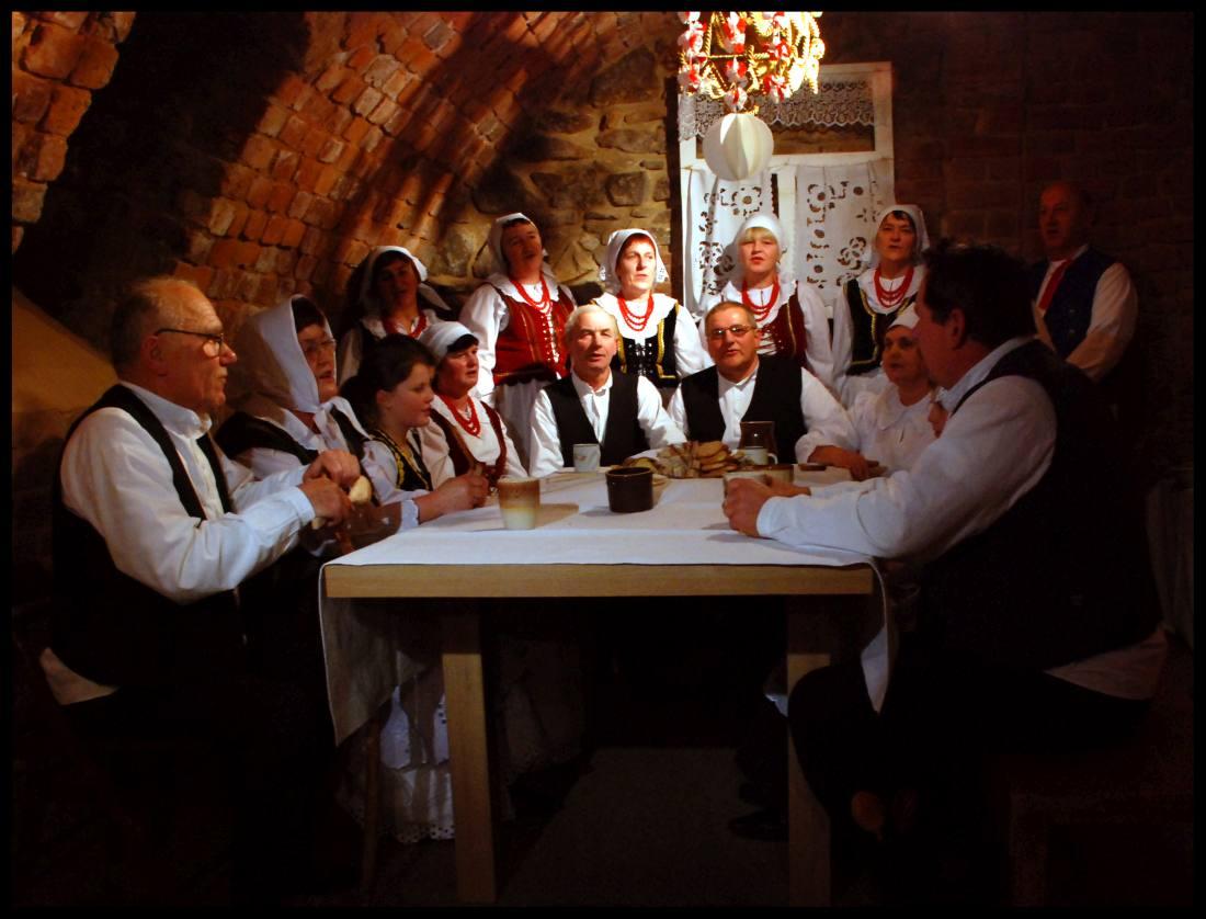 Wokół świątecznego stołu - wystawa w Piwnicy PodCieniami